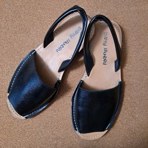 Dirty Laundry Cab Flat Sandals Black Sz 7 EUC